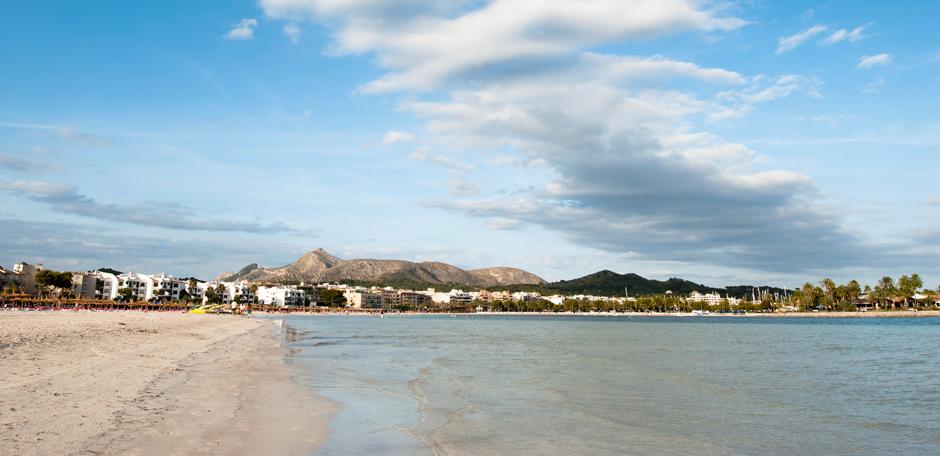 Mallorca Karte Playa De Muro.Beach Club Mallorca Restaurant On The Beach Ponderosa Beach